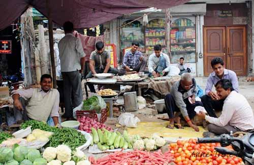 Sabzi market  Delhi (16)